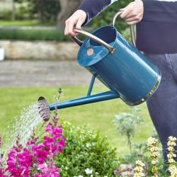 Zahradní konev z oceli 9l - modrá